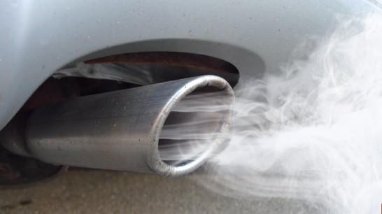 Cum poţi interpreta fumul alb din ţeava de eşapament la motoarele VW